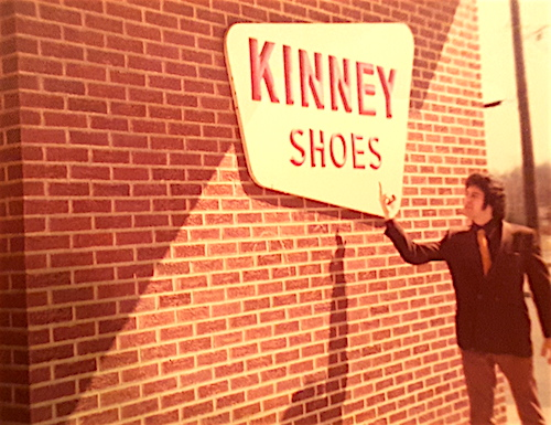 Kinney Shoes Roadside Store, Warmnster, PA